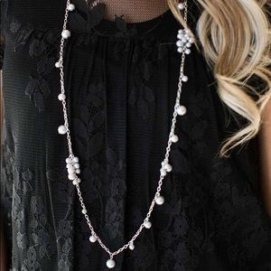 Long necklace (with silver pearls)